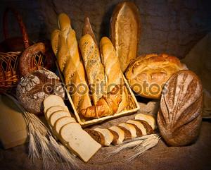 Натюрморт с различного рода хлеба