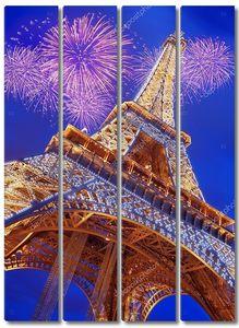 Эйфелева башня на фоне салюта
