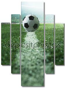 футбольное поле с футбольный мяч и линии