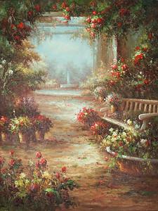 Прекрасный заброшенный сад с розами
