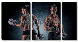 спортивная(ый) мужчина и женщина с гантелями.