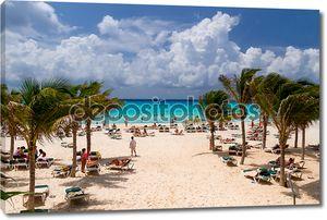 пляж Playacar Карибского моря в Мексике