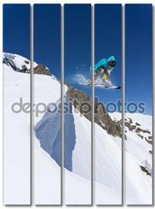 Трамплин со сноубордистом