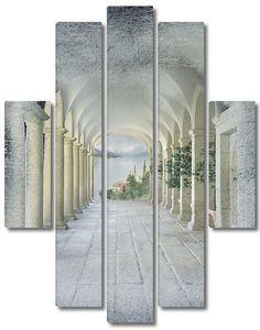 Веранда с множеством колонн
