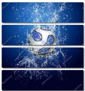 Футбольный мяч в брызгах воды