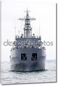 Военный корабль на Черном море