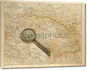 Старая карта Венгерской империи с увеличительным стеклом