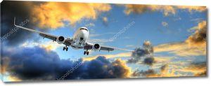 Панорама самолета в закат небо