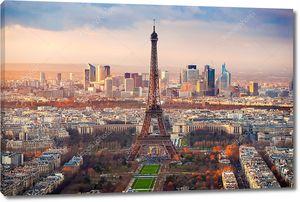 Вид с воздуха на Париж на закате