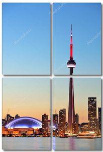 Закат над озером Торонто с панорамным видом на город