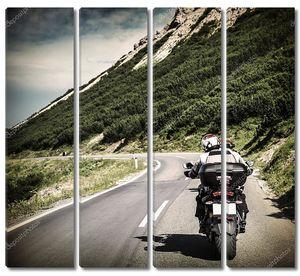 гонщик на горном шоссе