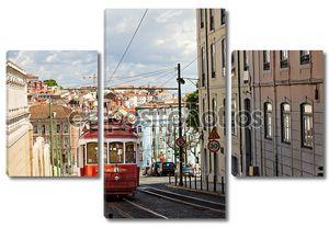 красный трамвай в Лиссабоне, Португалия