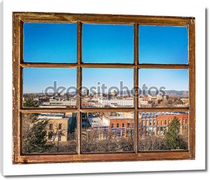 Городской вид через окно Винтаж