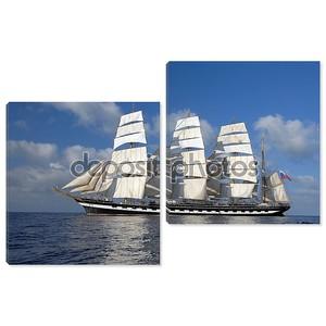Парусный корабль на фоне красивый пейзаж