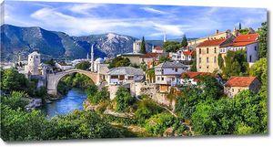 Старый город Мостар со знаменитым мостом в Боснии