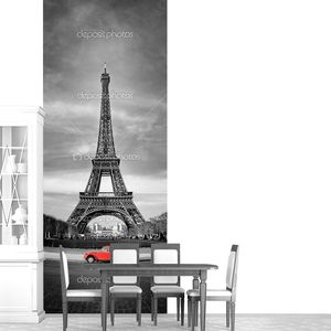 Эйфелева башня и старый красный автомобиль-Париж