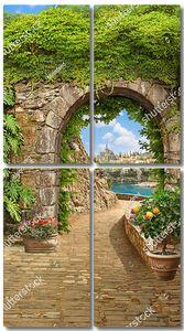 Большая арка в старом городе