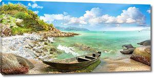Старая лодка на побережье