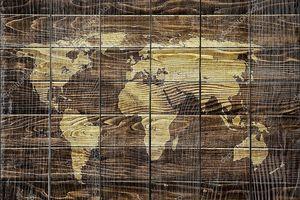Карта мира на древесине