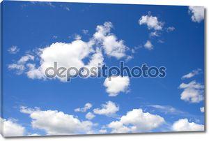 облака на голубое небо.