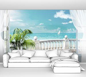 Белая терраса с пальмой в горшке
