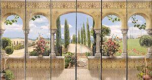 Веранда с колоннами и выходом в сад