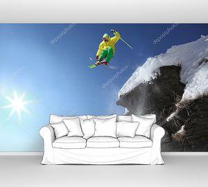 Прыжки на лыжах через воздух со скалы