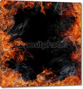 Горящий огонь с дымом