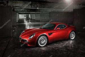 итальянский спортивный автомобиль
