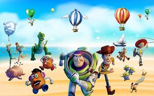 Ожившие игрушки с воздушными шарами