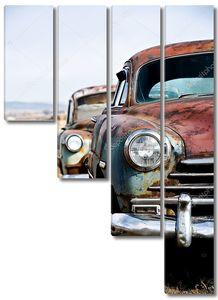 Ретро автомобили вертикальной версии