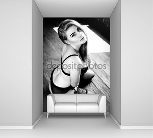Сексуальная молодая женщина носить женское белье