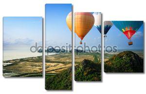 Воздушные шары, плавающие до неба