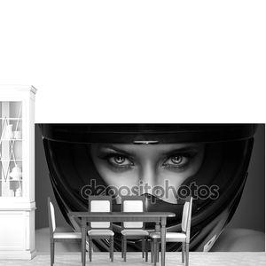 Черно-белые фото сексуальные женщины в шлеме на фоне
