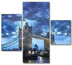 знаменитый Тауэрский мост в вечер, Лондон, Англия