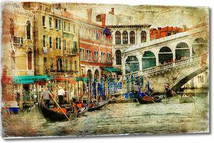 Множество лодок на причале в Венеции