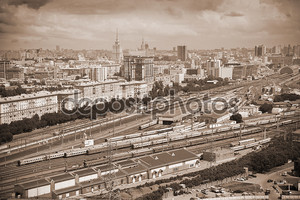 Москва - исторический район. железная дорога на переднем плане. Фото в сепии тонированные