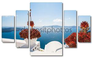 Терраса с цветами, с видом на море
