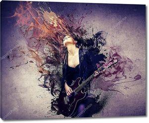 Девушка-музыкант в экстазе музыки