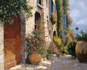 Цветы на тихой улочке