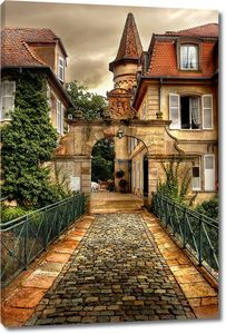 Мощеная улица к дому