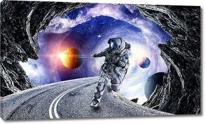 Изображение с космическим кораблем ловит планету. Смешанные медиа