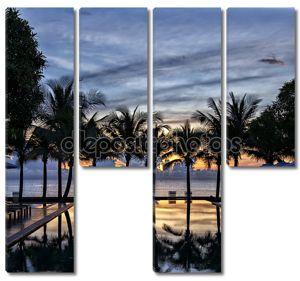 роскошный бассейн на закате