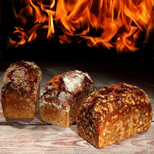 Зерновой хлеб рядом с огнем