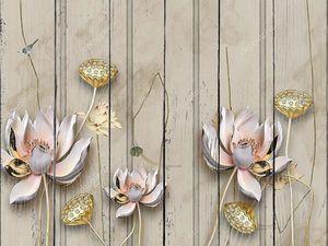 Цветы на позолоченных стеблях