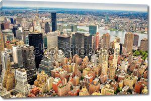 Нью-Йорке небоскребов птичьего