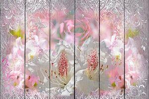 Цветы на абстрактной картине