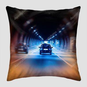 Туннель шоссе ночью