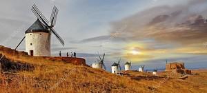 Ветряные мельницы в Испании Консуэгра