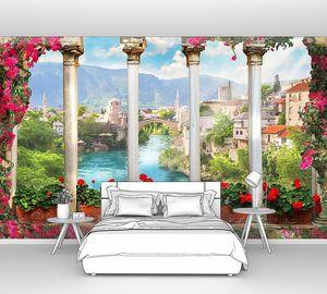 Терраса с цветами и колоннами